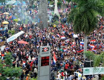 Митинг в поддержку парагвайского президента Фернандо Луго 22 июня  2012 года, Асунсьон, Парагвай. Фото: NORBERTO DUARTE/AFP/GettyImages