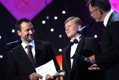 В номинации «Предприниматель года» лучшим стал Виталий Антонов (слева) - глава наблюдательного совета «Концерн Галнафтогаз». Фото: Владимир Бородин/The Epoch Times