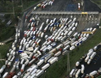 Транспортные пробки в мегаполисах. Фото с сайта etoday.ru