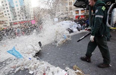 В  Нью-Йорке прошла грандиозная битва подушками. Фоторепортаж. Фото: Mario Tama/Getty Images