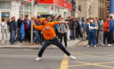 Фоторепортаж о беспорядках в Ирландии в связи с визитом Елизаветы 2. Фото: Oli Scarff/Getty Images