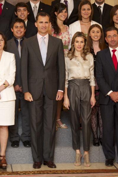 Фоторепортаж о посещении принцем Фелипе и принцессой Летицей аудиенции во дворце Сарсуэла. Фото: Carlos Alvarez / Getty Images