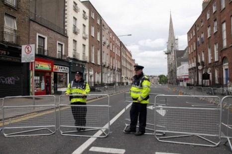 Фоторепортаж об усиленных мерах безопасности в связи с визитом Елизавета II в Ирландию. Фото: Chris Jackson/Getty Images