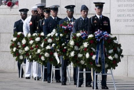Фоторепортаж о возложении венков в США на мемориале погибших во Второй мировой войне. Фото: Kris Connor/Getty Images