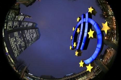 Понижается благосостояние европейцев. Фото:  Hannelore Foerster/Getty Images
