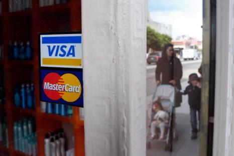 Visa и Master Card обвиняются в сговоре. Фото: Justin Sullivan/Getty Images