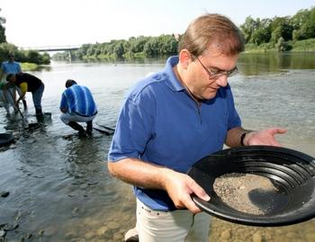 Мытье золота в Германии – все более излюбленное хобби. Фото: sueddeutsche.de