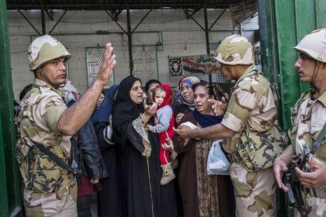 Египтяне активно участвовали в голосовании о проекте новой конституции 15 декабря 2012 г. Фото: Daniel Berehulak/Getty Images
