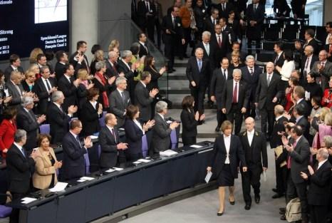 50-летие подписания Елисейского договора между Францией и Германией торжественно отпраздновали в Берлине 22 января 2013 г. Фото: Sean Gallup/Getty Images