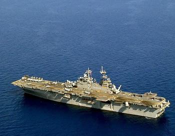Универсальный десантный корабль Essex, США. Фото: Michael B. Lewis/Getty Images
