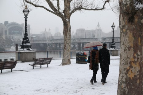 Сильные снегопады в Великобритании, 17 января 2013 года. Фото: Oli Scarff/Getty Images