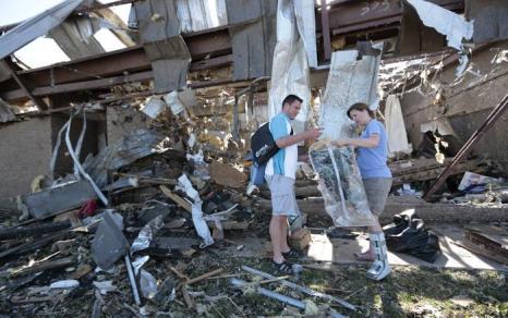 Торнадо в США принёс ущерб в размере двух миллиардов долларов. Фото: Brett Deering/Getty Images