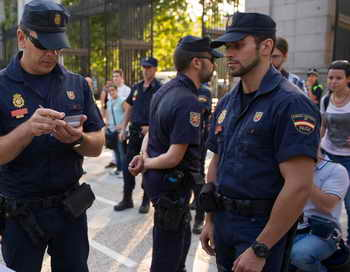 Мадрид. Полиция. Фото: Denis Doyle/Getty Images