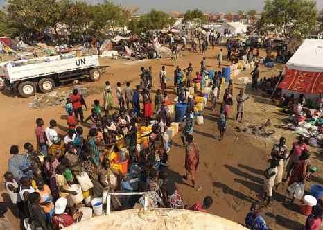 Вынужденными переселенцами в Южном Судане стали 180 тысяч человек. Фото: TONY KARUMBA/AFP/Getty Images