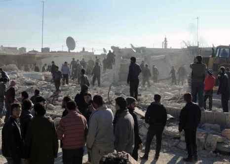 Бомбардировки города Алеппо унесли жизни 330 человек. Фото: MOHAMMED AL-KHATIEB/AFP/Getty Images
