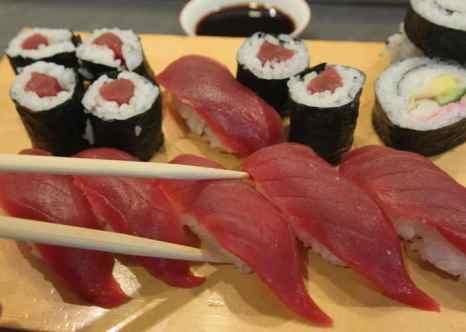 Суши. Японское правительство намерено изучить пользу национальной кухни.  Фото: Sean Gallup/Getty Images