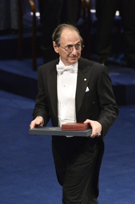 Нобелевский лауреат Майкл Левит получил премию в области химии за создание «многошкальных моделей комплексных химических систем». Стокгольм, 10 декабря 2013 года. Фото: Pascal Le Segretain/Getty Images