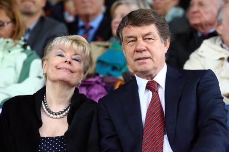 Отто Рехагель с женой Беате прибыли на церемонию открытия фестиваля Chio  2013. Фото: Christof Koepsel/Bongarts/Getty Images
