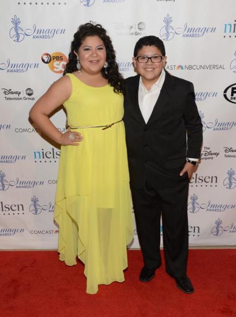 Рэйни Родригес и Рико Родригез на 28-й церемонии вручения ежегодной премии «Образ» (28th Annual Imagen Awards) 16 августа 2013 года в Беверли Хиллз, Калифорния (США). Фото: Jason Kempin /Getty Images