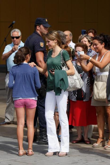 Принцесса Летиция прибыла в больницу в Посуэло-де-Аларкон, чтобы навестить короля Испании Хуана Карлоса I, перенёсшего операцию. Фото: Pablo Blazquez Dominguez/Getty Images