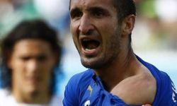 Игроки и фанаты сборной Уругвая не считают, что Суарес кусал итальянского защитника
