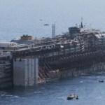 Круизный лайнер Costa Concordia отправился в порт Генуи