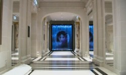 Отремонтированный за 430 млн евро парижский отель открыл двери для дорогих гостей