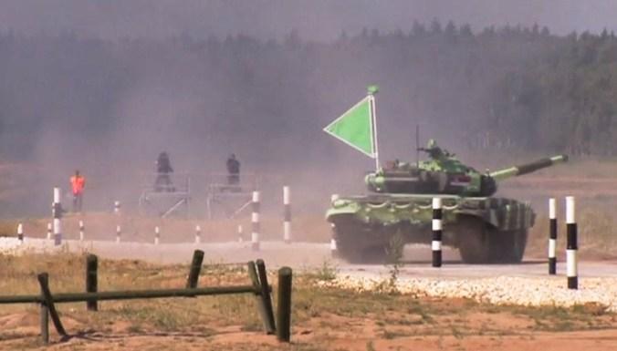 В Подмосковье стартовал чемпионат по танковому биатлону
