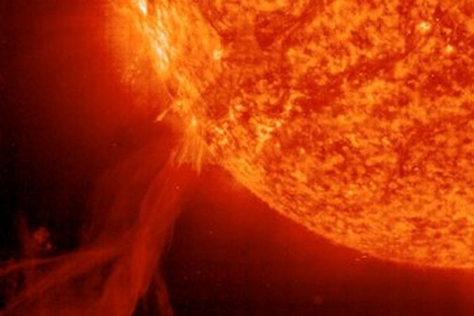 Солнце, Земля, вспышка