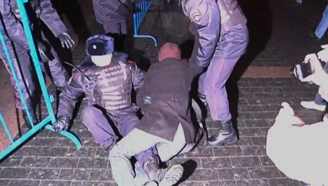 Полиция задержала участников акции в поддержку «узников Болотной»