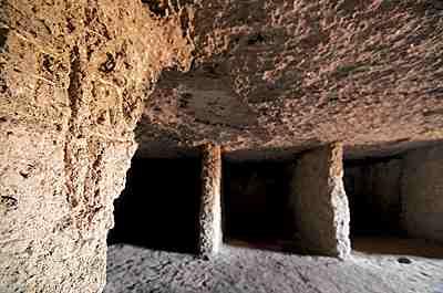 Монастырские пещеры. Фото: liveinternet.ru