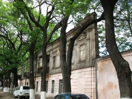 Плоский дом на Степовой улице в Одессе. Фото: voyager-a.livejournal.com