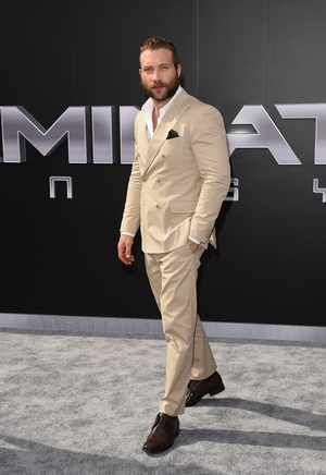 """HOLLYWOOD, CA - JUNE 28:  Actor Jai Courtney arrives at  the premiere of Paramount Pictures' """"Terminator Genisys"""" at the Dolby Theatre on June 28, 2015 in Hollywood, California.  (Photo by Jason Merritt/Getty Images)"""