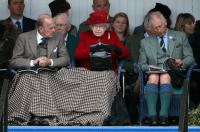 Великобритания, Елизавета II, Кэмерон, боевики ИГИЛ