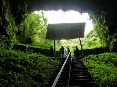 dark-Dunmore-cave