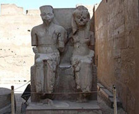 Tutankhamen-and-Ankhesenamun