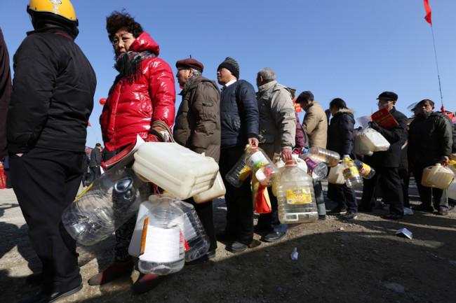 8 февраля 2015 года. Город Чжэньцзян провинции Цзянсу. Фото: epochtimes.com
