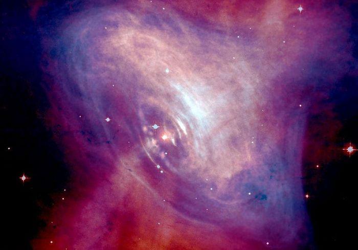 Пульсар в центре Крабовидной туманности. Фото: NASA