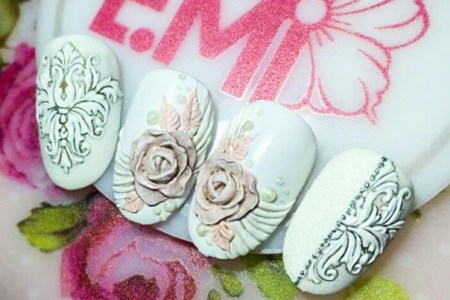 Объёмная лепка на ногтях.
