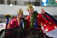 Российского конькобежца Павла Кулижникова 28 февраля наградили золотом в общем зачёте на чемпионате мира по многоборью в Сеуле.