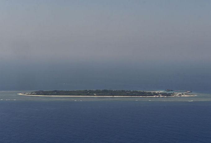 Один из спорных островов в Южно-Китайском море. Фото: SAM YEH/AFP/Getty Images