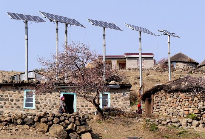 Солнечные батареи на крыше дома в Южной Африке. Фото: pixabay.com/CC0 Public Domain