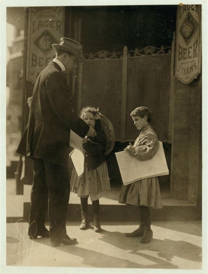 Маленькие разносчицы газет. Уилмингтон, штат Делавэр, май 1910 г. Фото: L.W. Hine/LOC