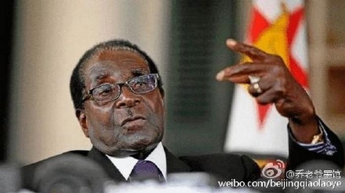 Президент Зимбабве Роберту Мугабе получил сомнительную Премию Конфуция. Фото: epochtimes.com