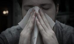 сдерживание, травма, чихание