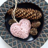 # Låge nr. 4 - Hæklet hjerte