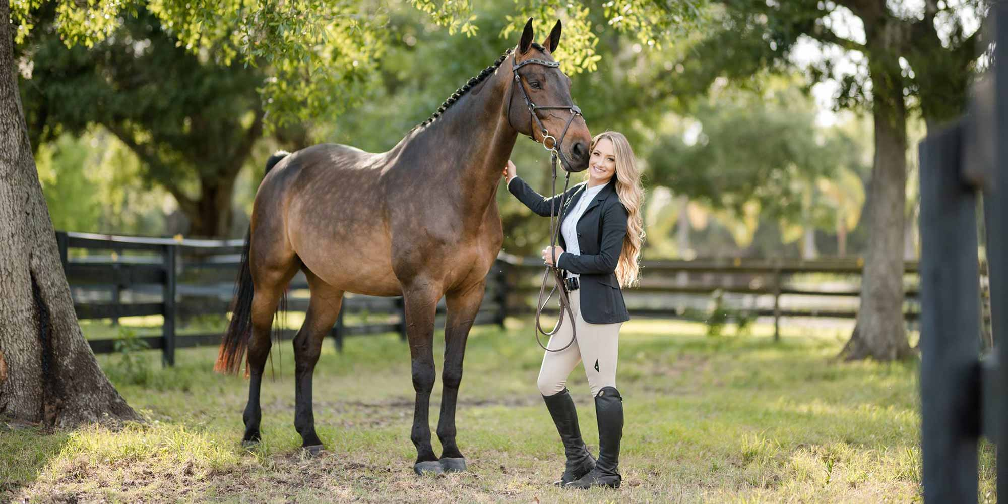 EQ Graphics   Sport Horse Photography with Trainer Melina Poole in a Stable