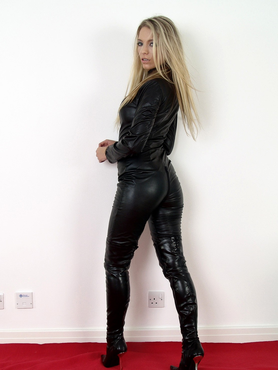 Latex leather sex  Heavy rubber sex Busty latex full body  Latex corset ass
