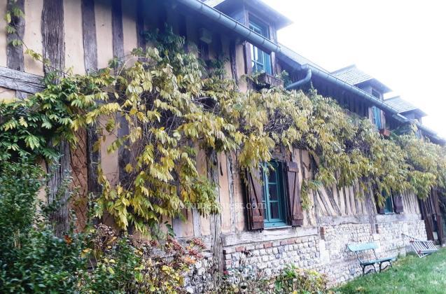 10 ha près de Pont L'Evêque – Belle propriété du Pays d'Auge