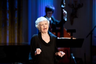 20141112_081548_242681ipwh-broadway03-stritch.jpg.1280x720_q85